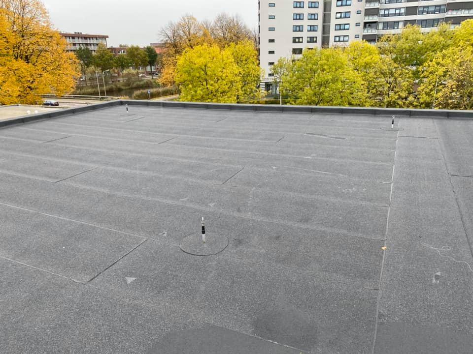 bitumen dakbedekking op woning